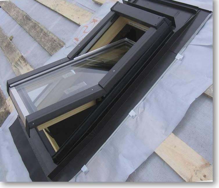 монтаж мансардного окна в композитную черепицу